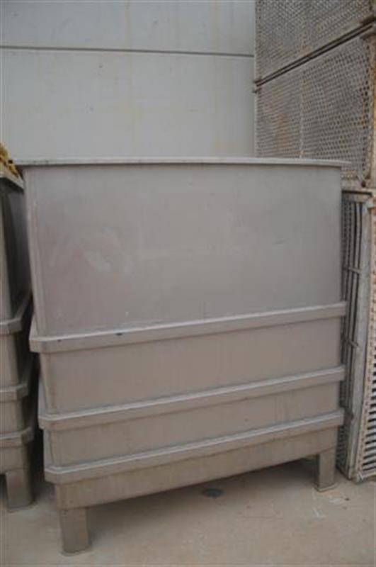 1 balsa cuadrada inox con compuerta lateral 1.35 m 2