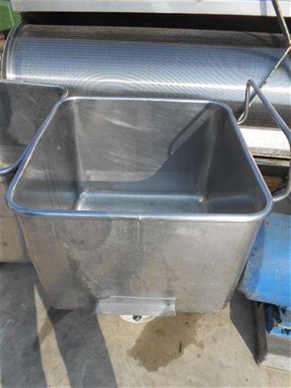 1 deposito cuadrado en acero inox.200 l
