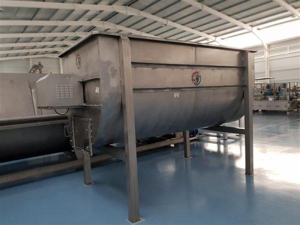 1 deposito mezclador horizontal 6000 l