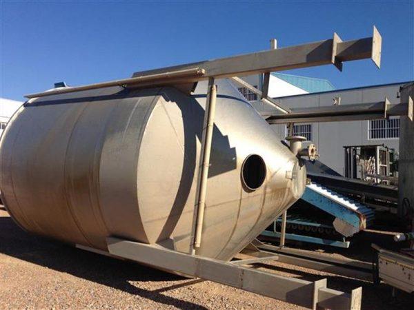 1 deposito vertical con fondo conico en acero inox 32.800 litros