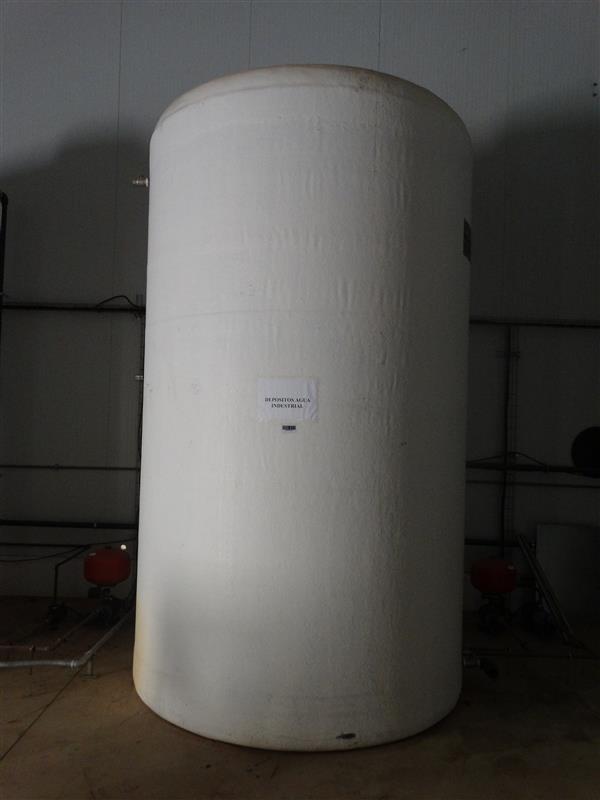 1 deposito vertical de poliester 10.000 l