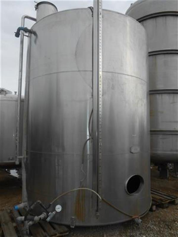1 deposito vertical en acero inox aseptico de 20.000 l