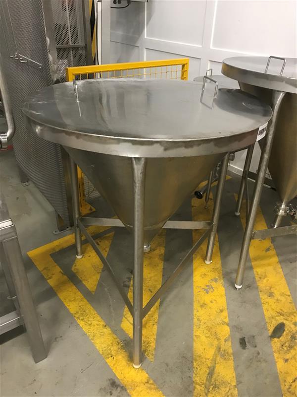 1 deposito vertical fondo conico inox 1