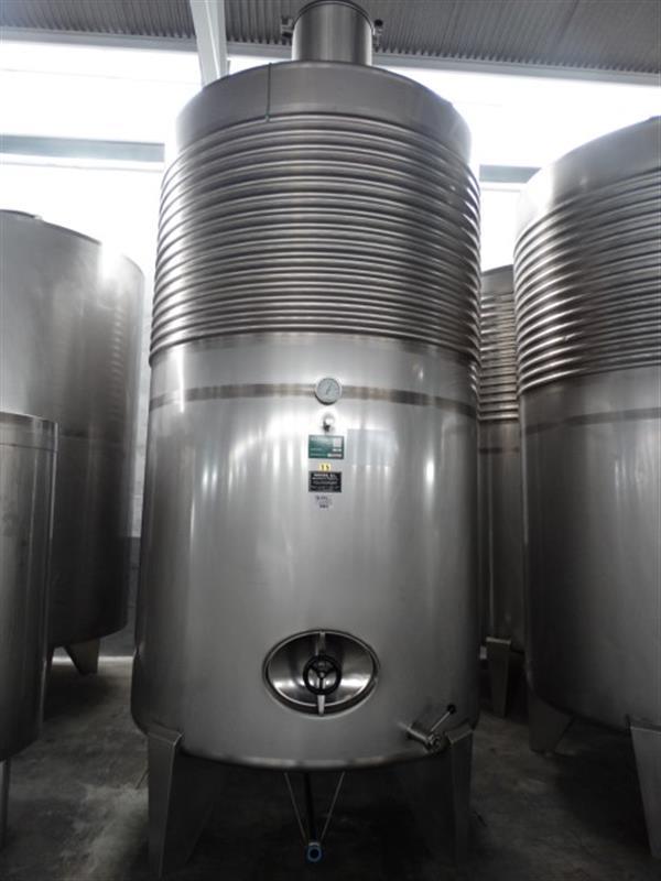 1 deposito vertical refrigerado con fondo conico en inox 8000 litros 5