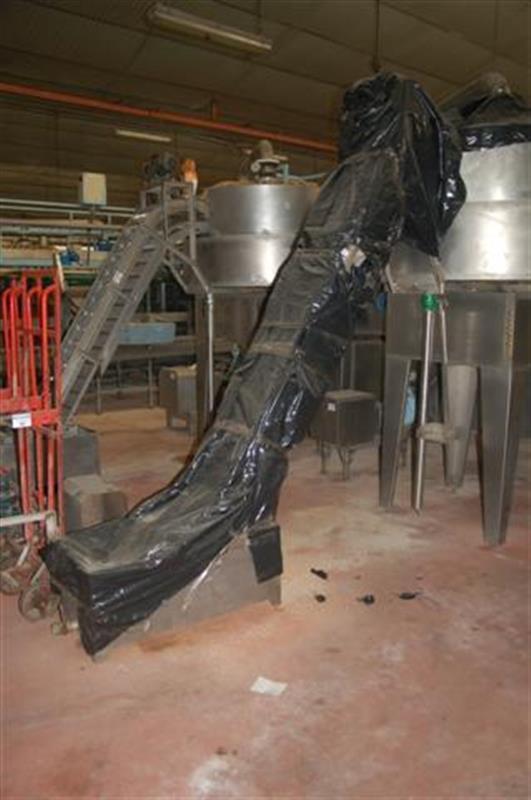1 elevador de cangilones con balsa descarga 2.40 m 1