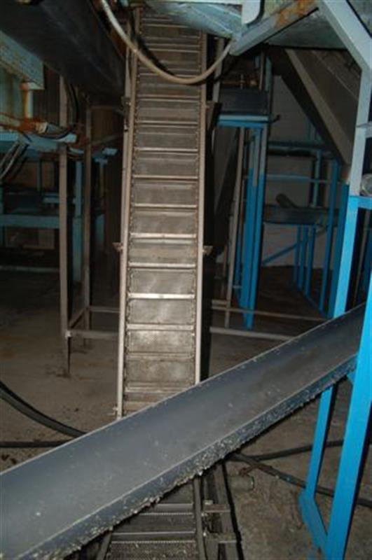 1 elevador de cangilones con malla perforada y balsa en acero d 2.35m