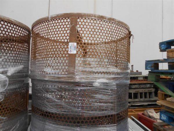 1 jaula cilindrica de malla perforada 1.10 m 12