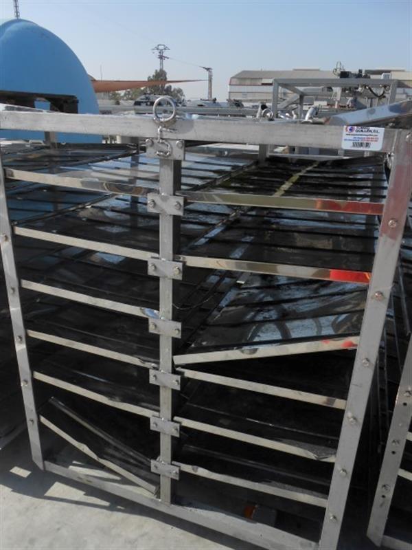 1 jaula del cocedor en acero inox maconse. l 1.28 m a 1.185 m.
