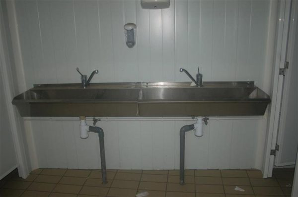 1 lavabo inox 2