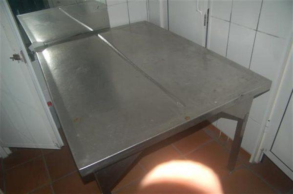 1 mesa en acero