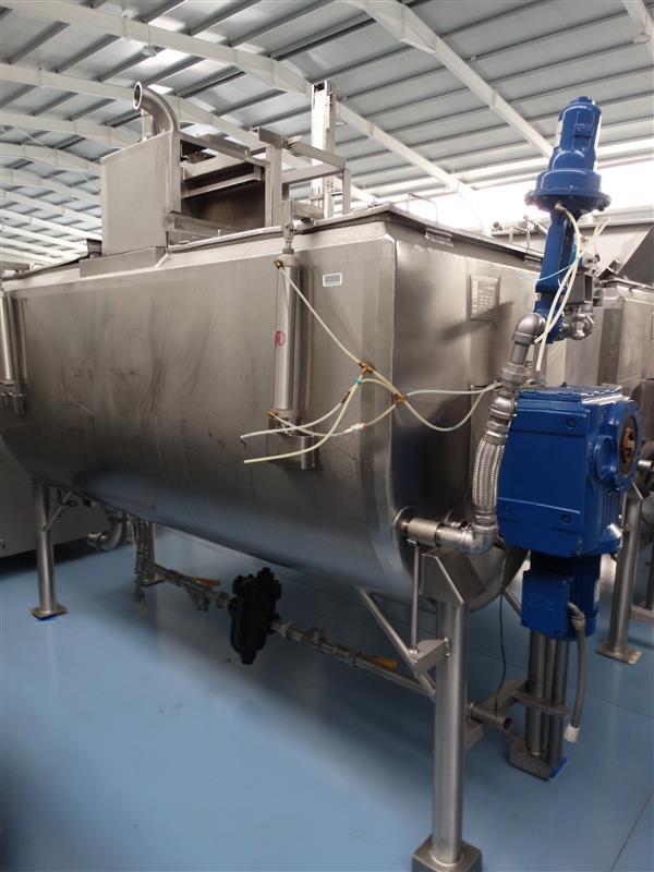 1 mezcladora horizontal doble fondo viatec 2500 l inox