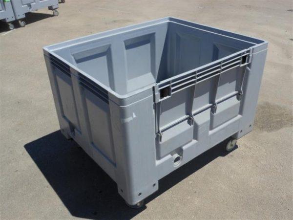 1 palot box con ruedas y puerta lateral