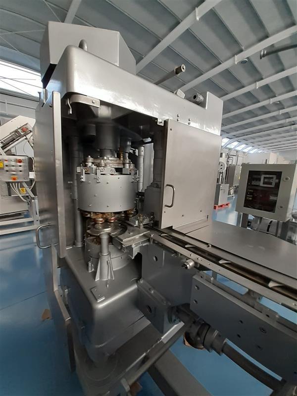12 cerradora automatica de latas fmc 452 con grupo bajo vacio