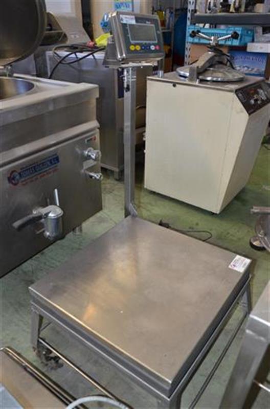 2 bascula de pesaje en acero inox de 350 kg.