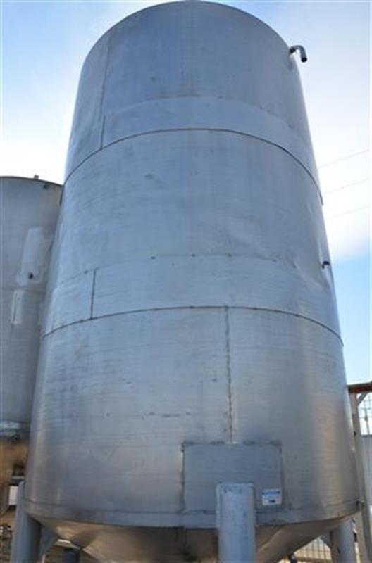 2 deposito vertical con fondo conico en acero inox 10.000 l