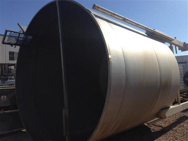 2 deposito vertical con fondo conico en acero inox 32.800 litros