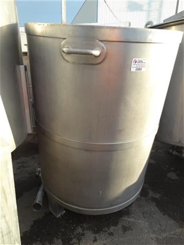 2 deposito vertical con fondo conico en acero inox 900 litros