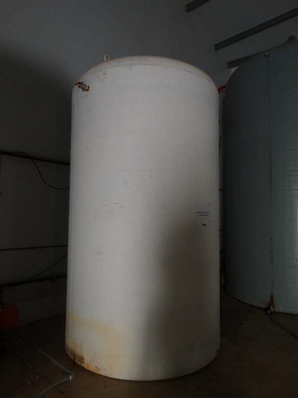 2 deposito vertical de poliester 10.000 l
