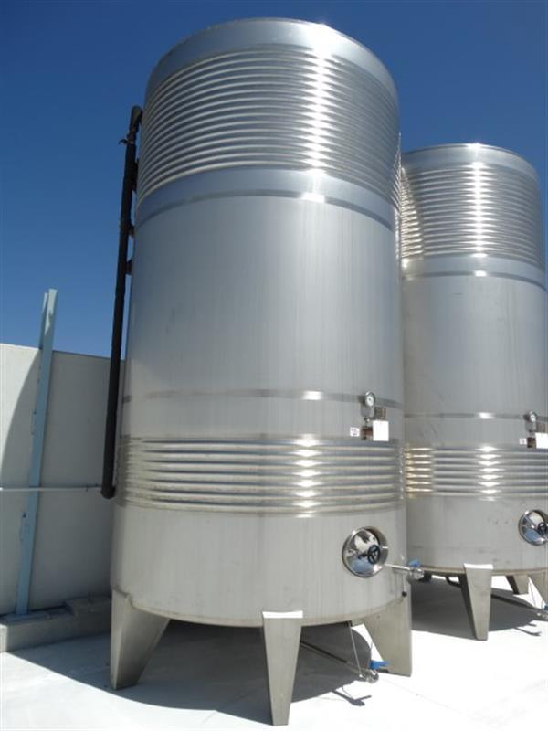 2 deposito vertical refrigerado con fondo conico en inox 24.000 litros 3