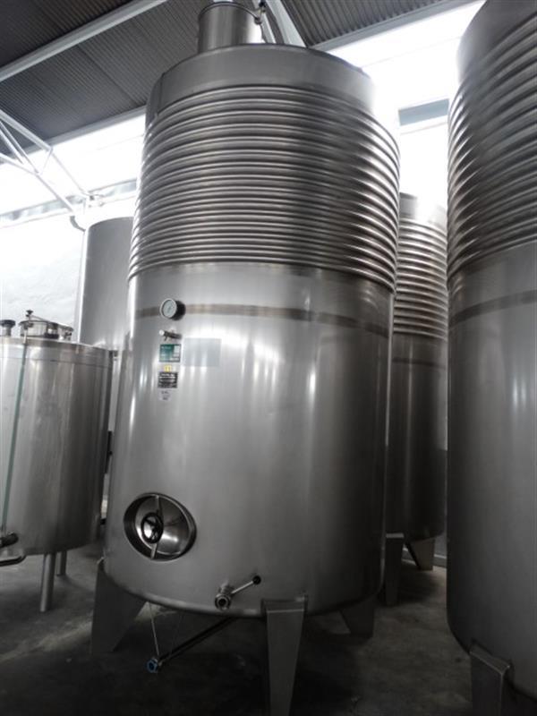 2 deposito vertical refrigerado con fondo conico en inox 8000 litros 5
