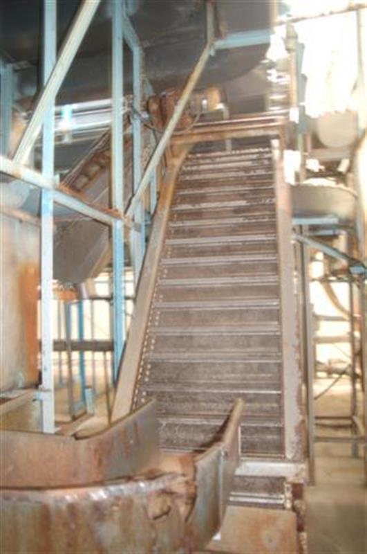 2 elevador de cangilones con malla perforada en acero inox 1.85