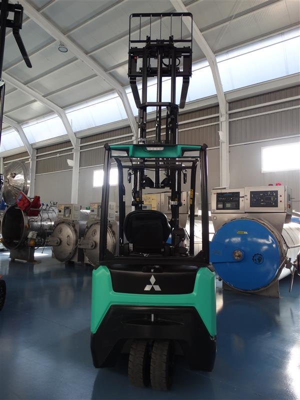 3 carretilla elevadora electrica triple mastil mitsubishi 1.600 kg