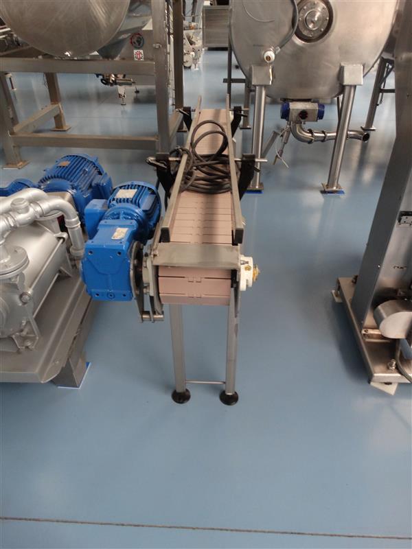 3 cinta transportadora de charnela de pvc en inox.l1.95m a15cm