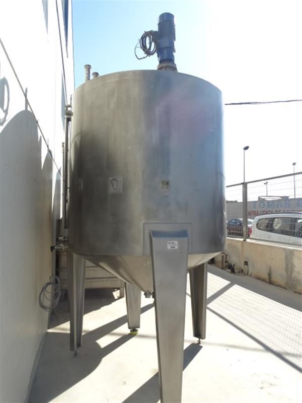 3 deposito vertical con fondo conico con agitador en inox 3000 litros