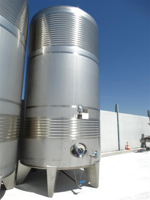 3 deposito vertical refrigerado con fondo conico en inox 24.000 litros