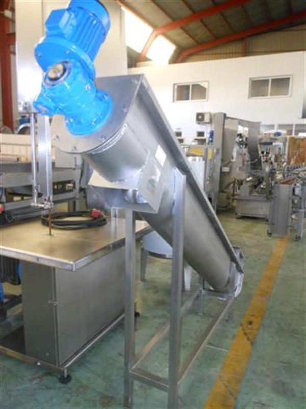 3 sinfin transportador en acero inox.l 2.80 m ancho 22 cm. 1
