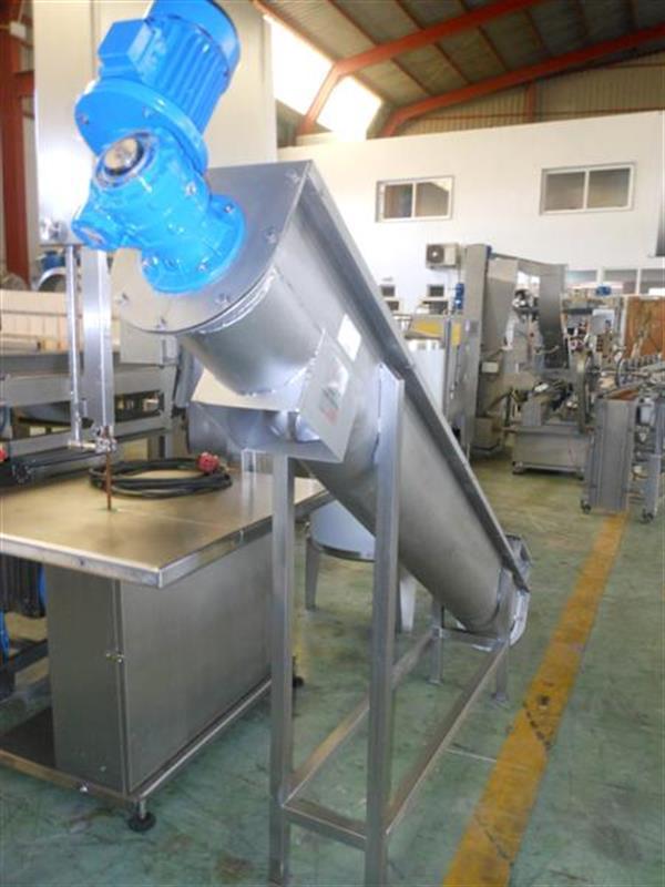3 sinfin transportador en acero inox.l 2.80 m ancho 22 cm.
