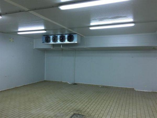 4 camara frigorifica l 10.20 m a 8.80 m alto 2.94 m