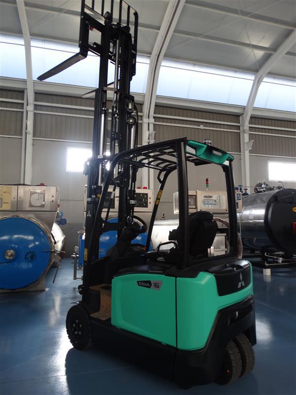 4 carretilla elevadora electrica triple mastil mitsubishi 1.600 kg