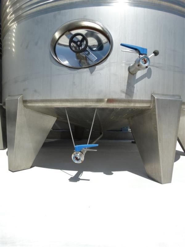 4 deposito vertical refrigerado con fondo conico en inox 24.000 litros