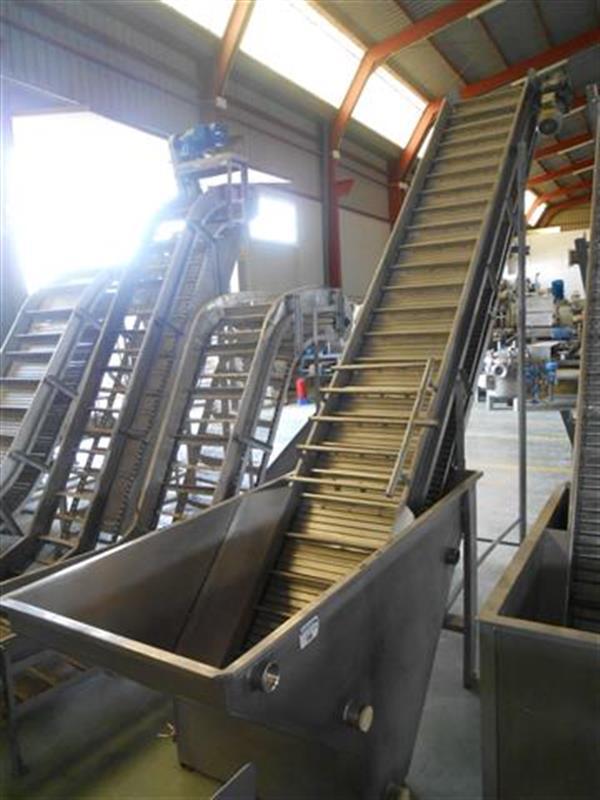 4 elevador de cangilones con balsa. descarga 3 m