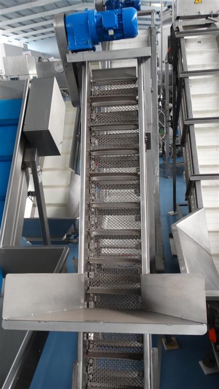 4 elevador de malla perforada con palas mixto. descarga 1.85 m