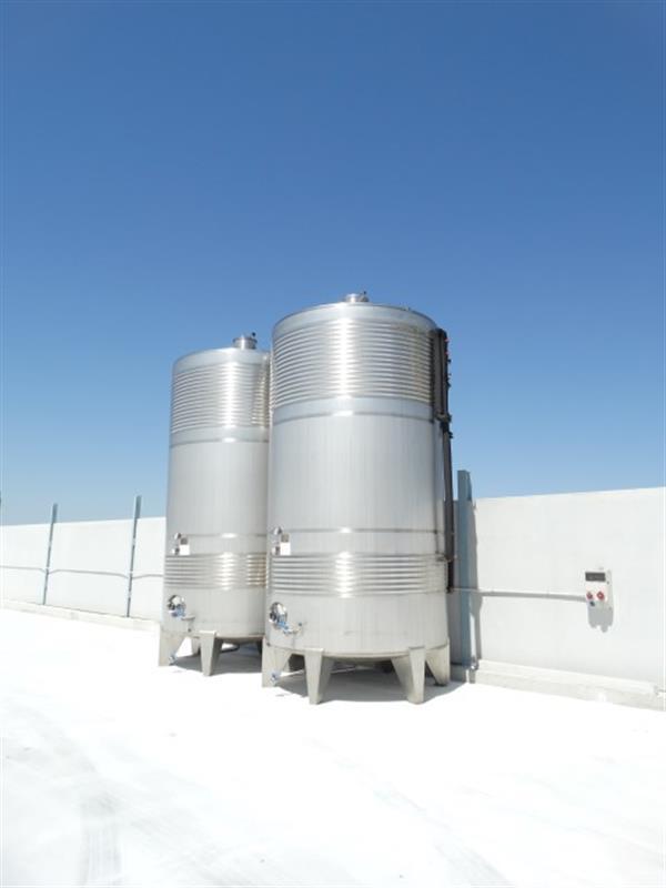 5 deposito vertical refrigerado con fondo conico en inox 24.000 litros