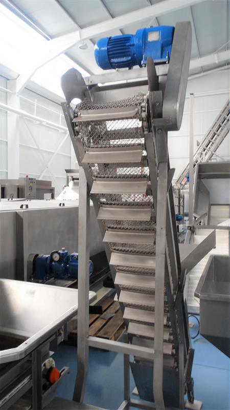 5 elevador de malla perforada con palas mixto. descarga 1.85 m