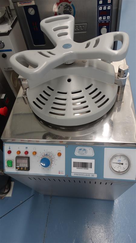 6 autoclave vertical de laboratorio selecta inox 2 j