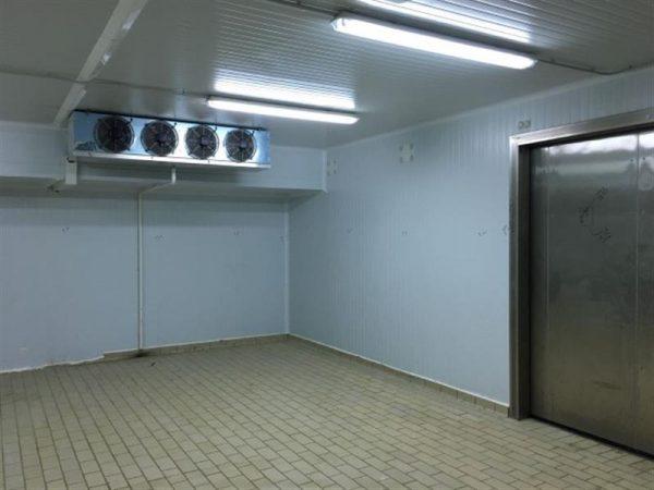 6 camara frigorifica l 10.20 m a 8.80 m alto 2.94 m