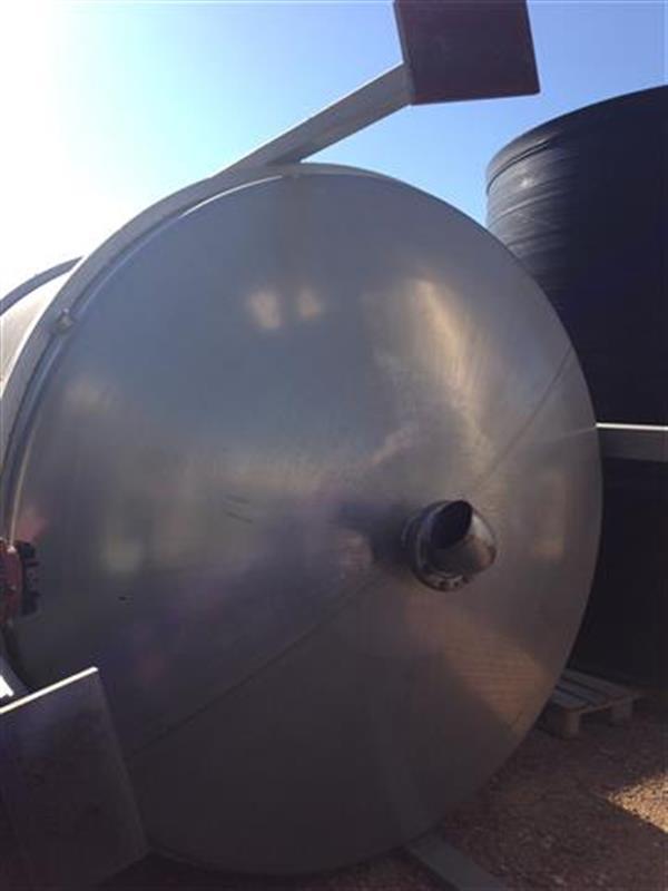 6 deposito vertical con fondo conico con agitador en inox 18.500 litros
