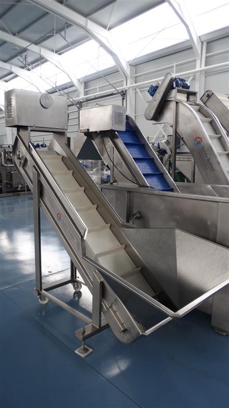 6 elevador de palas de lona y tolva inox. descarga1.60 m a 40 cm
