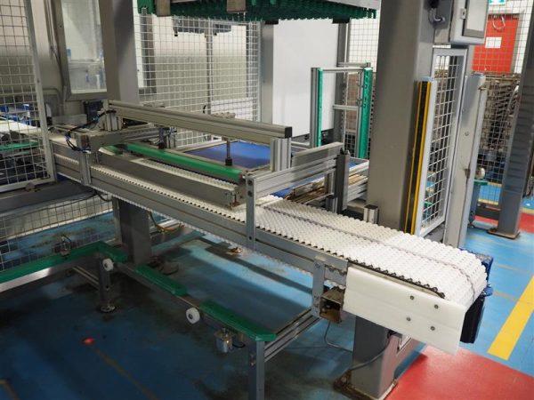 8 enjaulador automatico de bandejas wals systems spider inox 1