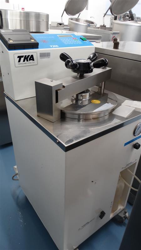 9 autoclave vertical de laboratorio tka